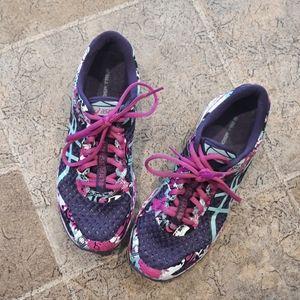 Asics women's size 8 Dynamic Duomax running shoes